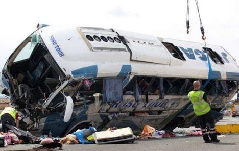U Kanjonu Morače poginulo 18 putnika