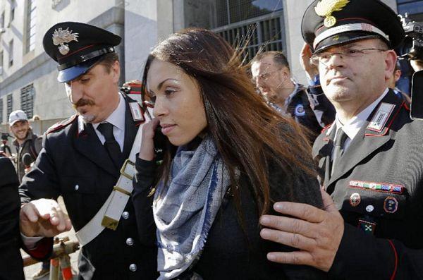 Italy-Berlusconi_Shum