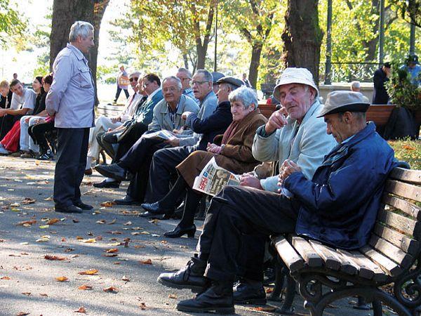 U Srpskoj danas počela isplata penzija za oktobar