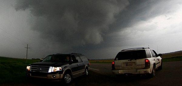 Tornado hara centralnim dijelom SAD, najmanje pet ljudi poginulo
