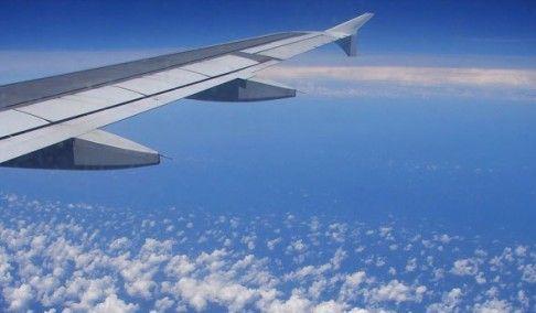 Putnik ispao iz aviona u okean