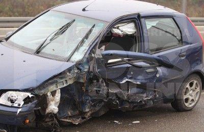 Nesreća na autoputu: Vozio u pogrešnom smjeru i zabio se u drugo auto