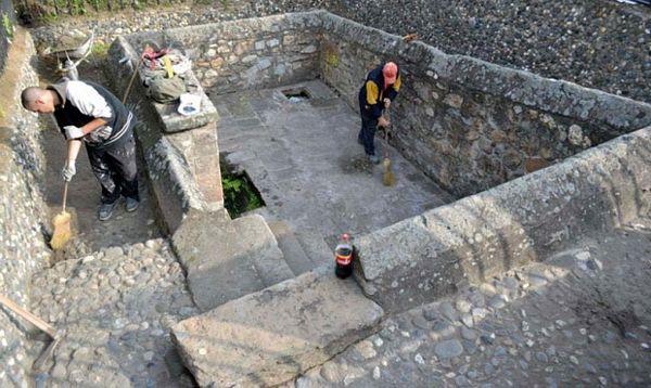 Kruševljanin za primjer: Sam rekonstruisao srednjovjekovne česme u gradu