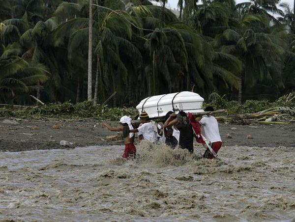 Filipinima se pribiližava tajfun