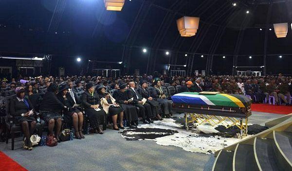 Sahranjen Nelson Mandela
