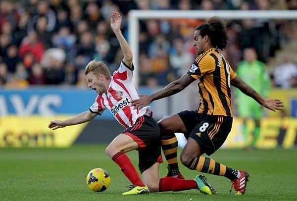 Dao gol, pa ga šišali pored terena (VIDEO)