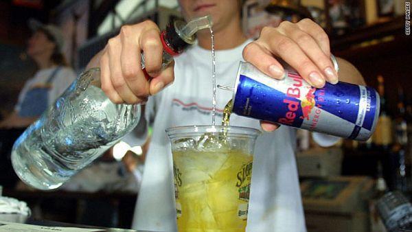 Oprezno s miješanjem alkohola i energetskih pića