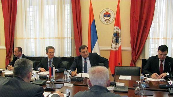 Dodik se sastao sa ekonomistima: Srpskoj treba reindustrijalizacija