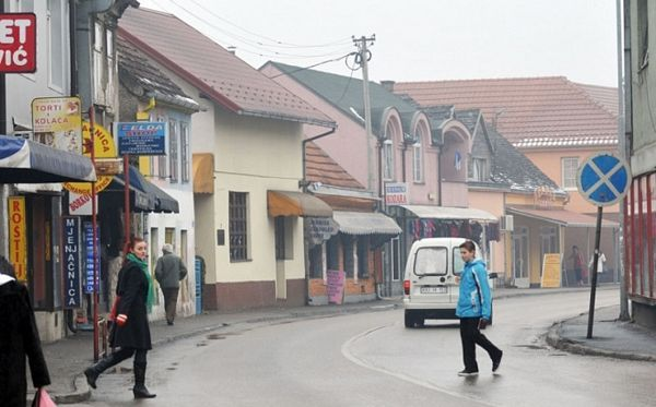 Gradiška: Na divlje niklo čak 5.000 objekata