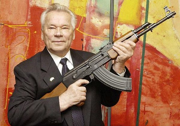 Umro Mihail Kalašnjikov