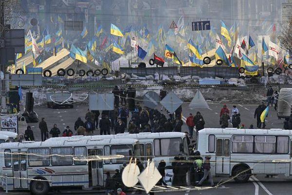 """Kijev između """"dvije vatre"""""""