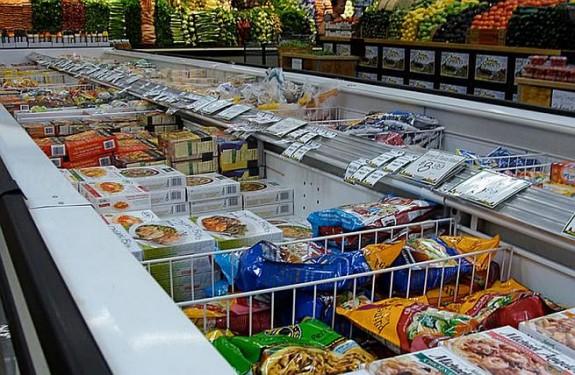 Banjaluka: Praznična gužva u trgovinama