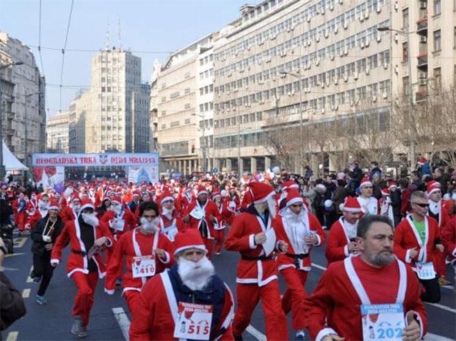 Beograd: Trka 2.300 Djeda Mrazeva
