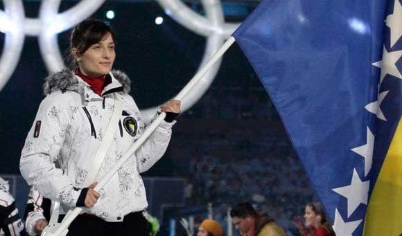 Žana Novaković nosi zastavu BiH u Sočiju