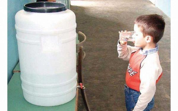 Gradiška: U školama zagađena voda, krovovi kao rešeto