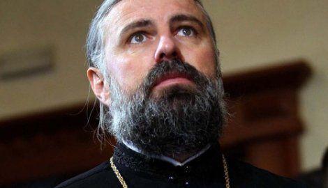 Grigorije: Ako neko poštuje jednog političara, ne znači da ne poštuje druge