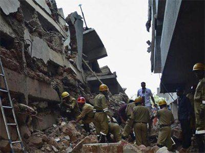 Indija: Srušila se zgrada, najmanje 13 poginulih