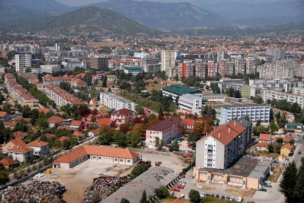 "Nikšić: Novinarka ""Dana"" pretučena bejzbol palicom"