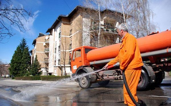 """""""Čistoća"""" pere samo ulice u centru grada?!"""