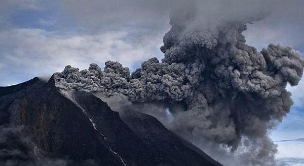 Indonezija: Evakuacija zbog erupcije vulkana