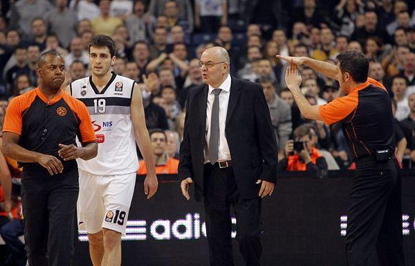 Galata trojkama srušila Partizan
