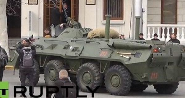 Ruski oklopnjaci na ulicama Sevastopolja