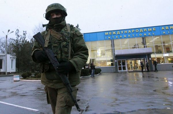 Naoružana lica kontrolišu aerodrome u Krimu