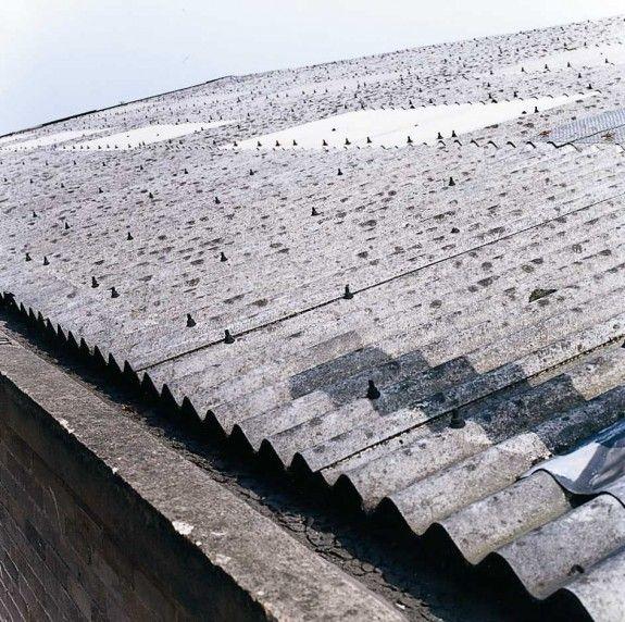 Kancerogeni krovovi: Azbest prijeti zdravlju učenika
