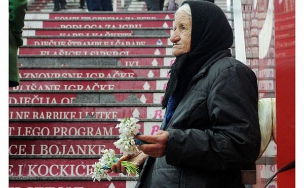 Baka Kristina prodaje visibabe da zaradi za hljeb