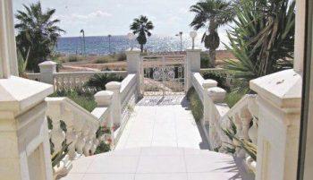 Kako izgleda Cecina vila na Kipru (FOTO)