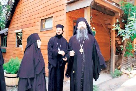 Indijanci u pravoslavnom manastiru