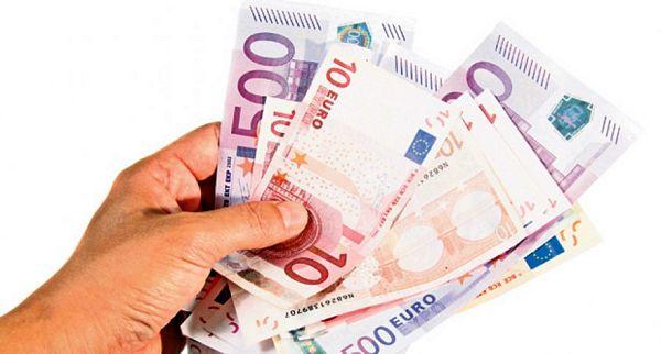 Crna Gora: Poslanička plata sedam prosječnih penzija