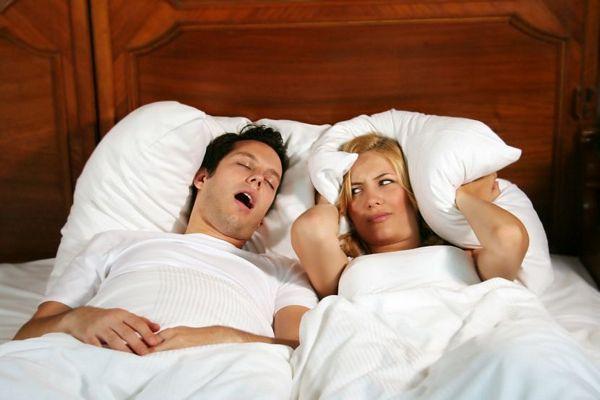 Zašto hrčemo i kako spriječiti partnera da nas budi noću?