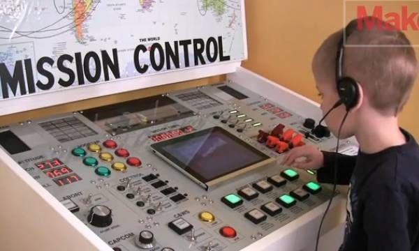 Dječiji radni sto kao kontrolni centar NASA (VIDEO)