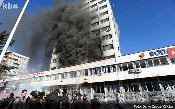 Tuzla: Gori zgrada Vlade TK