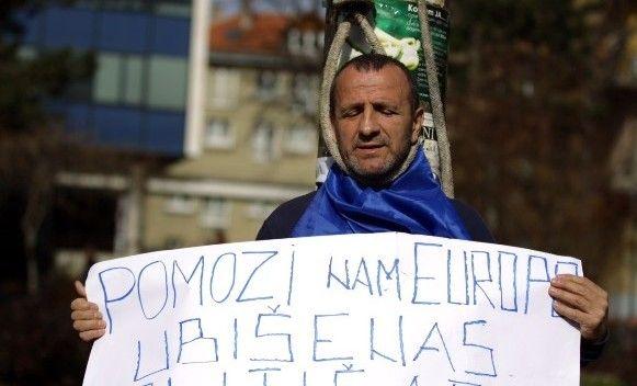 'Objesio se' pred zgradom Predsjedništva BiH