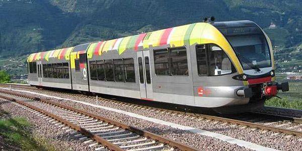 Austrija: Putnici pogurali voz