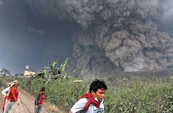 Proradio vulkan, 11 žrtava