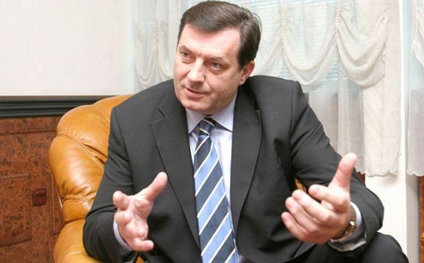 Dodik pozvao SDS da podnese zahtjev za prijevremene izbore