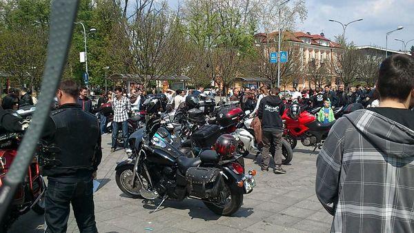 Motociklisti na Trgu Krajine (FOTO)