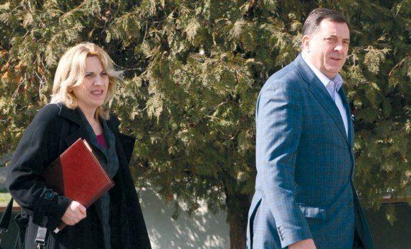 Cvijanovićeva će mjesečno zarađivati 4.000 KM, a Dodik 3.500 KM