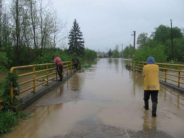 Poplave u Srpskoj: Pod vodom kuće i oranice