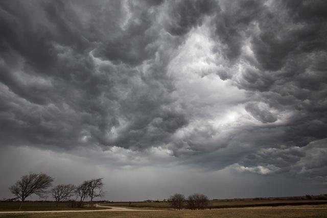 Gigantski oblak protutnjao sjeverom Srpske (VIDEO)