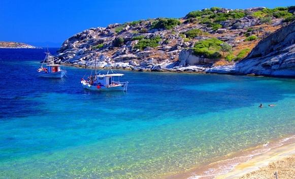 Grčka zbog duga prodaje svoje najljepše plaže!