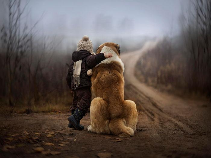 18 prelijepih fotografija djece sa psima