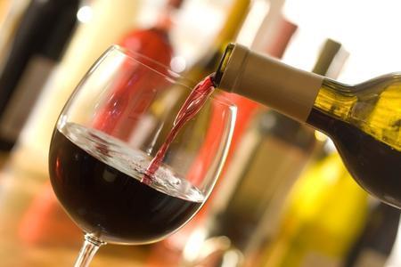 Nije u vrtićima: U Francuskoj vino i pivo u  bolnicama za brži oporavak