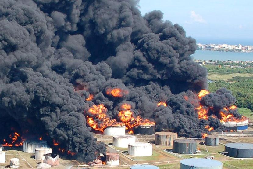 Sicilija: Zapalila se rafinerija, gori nekoliko miliona litara nafte (VIDEO)