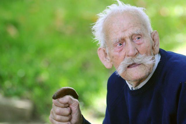 Djed Dragoljub proslavio 105. rođendan