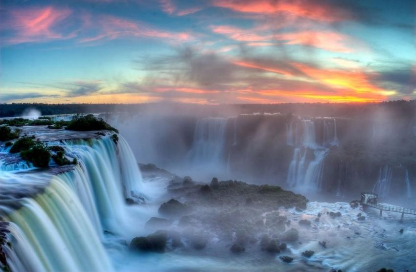 Odmorite oči i dušu: 15 fenomenalnih vodopada širom svijeta (FOTO)
