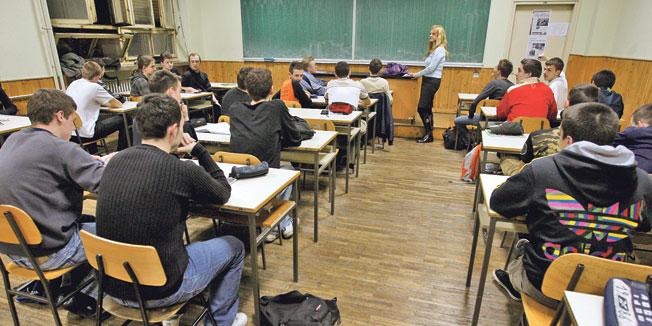 Banjaluka: Odobreno 1.106 učeničkih stipendija